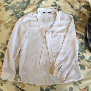 Tops - White blouse with neck tie